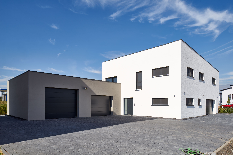 https://www.brillux.de/fileadmin/_processed_/csm_BX_Einfamilienhaus-weisse-Fassade_524f1229bd.jpg